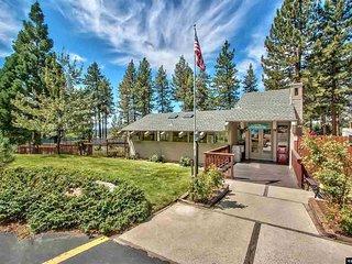 MV55 Lake Village Remodel Condo w/ pool & hot tub