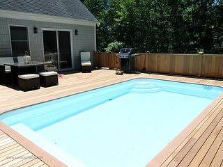 Great House with a Pool close to Town and South Beach