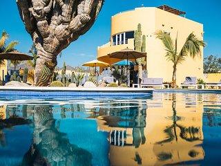 Cerritos + Todos Santos: 2 bed w/ Oceanview Rooftop + Pool
