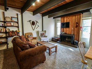 Rustic And Spacious Condo! Just A Short Walk To The Village!