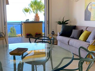 TAORMINA PANORAMIC SAN GIORGIO with Sea View Terrace Pool + Parking