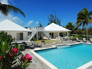 12 Acre Beachfront Estate w/Pool, Total Privacy, on Banks Rd., Walk to Tippys