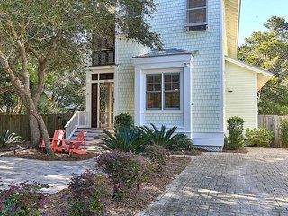 Sugar's Shack - Old Seagrove Beach, Luxury, Huge Pool, Steps to Beach and close