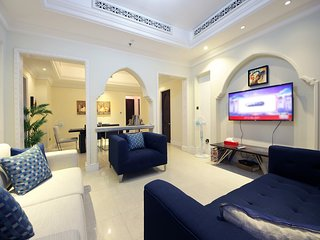 LUXUARY 2BEDROOM IN Al Tajer near to Dubai Fountain
