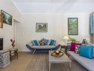 Bali Cottage - Gem in the Constantia Winelands