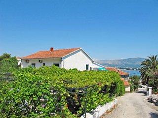 3 bedroom Apartment in Arbanija, Splitsko-Dalmatinska Županija, Croatia : ref 56