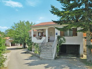 2 bedroom Villa with Pool, Air Con and WiFi - 5638461