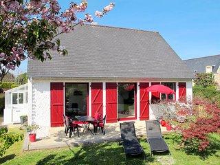 2 bedroom Villa in Sainte-Marine, Brittany, France : ref 5438399