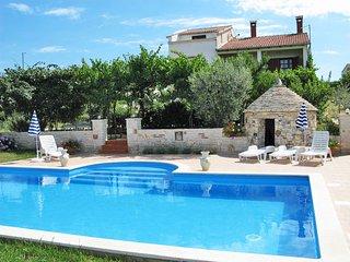 2 bedroom Apartment in Kanfanar, Istria, Croatia : ref 5640881
