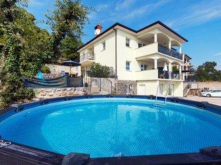 2 bedroom Apartment in Liganj, Primorsko-Goranska Županija, Croatia : ref 565058