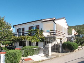 2 bedroom Apartment in Turine, Licko-Senjska Zupanija, Croatia - 5719916