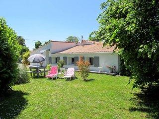 2 bedroom Villa in Port-de-Goulee, Nouvelle-Aquitaine, France - 5654270