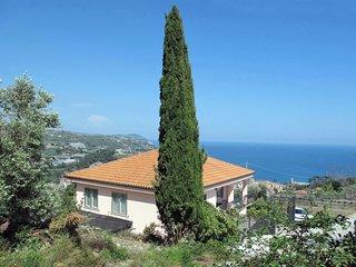 3 bedroom Apartment in Arene, Liguria, Italy : ref 5651207