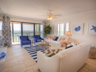 Spectacular Corner Unit Condo.  Spectacular Beach.  Modern and Comfortable Desig