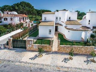Casa do Laranjal - Luxury Villa on golf course (sleeps 8-10)