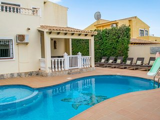 Beautiful 4 Bed Spacious Villa with private pool ideal for golfers & families