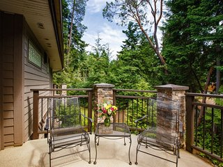 Parksville Sunrise Ridge Waterfront Resort 3 Bedroom Condo