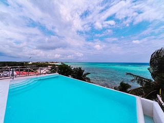Rooftop pool! The perfect place to enjoy a tranquil, Tropical Beach Getaway!