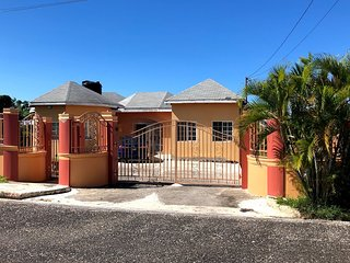 2 Bedroom Apt in House Located Walking Distance From Bluefields Public Beach