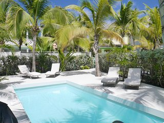 Soleil Blanc, gorgeous 1 bedroom villa with private pool