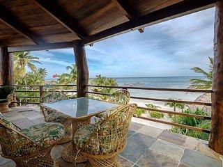 Huge Beachfront Villa, Stunning Views, Plunge Pool. Free Golf Cart*