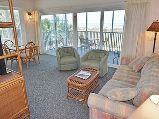 Special Sunset View Resort Access an steps to the Restaurant or  Pool, A3721B
