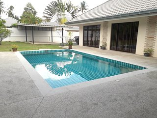 Villa de plain-pied 3 chambres avec piscine privee