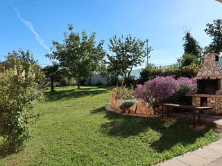 Strmac Holiday Home Sleeps 10 with Pool Air Con and Free WiFi - 5641159