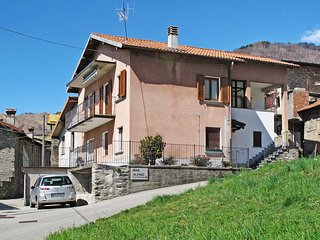 1 bedroom Apartment in Peglio, Lombardy, Italy : ref 5479132