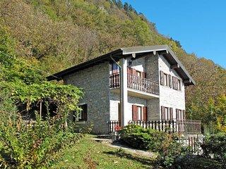 2 bedroom Villa in Gravedona, Lombardy, Italy : ref 5436808