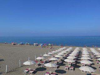 Marina di Bibbona Apartment Sleeps 4 with Pool and WiFi - 5642636
