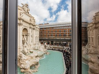 Trevi Fountain Lovely Nest