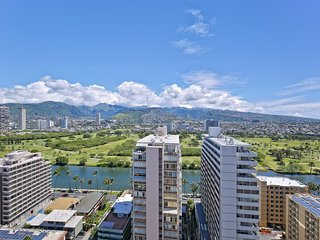 SkyTower 2602 Fully Equipped 1 Bdrm Condo w/ Superb Views