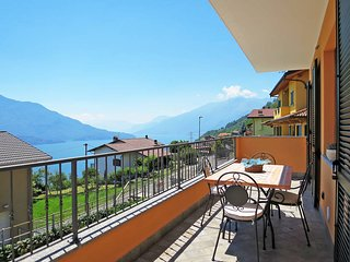 2 bedroom Apartment in Trezzone, Lombardy, Italy - 5436733