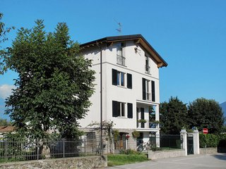 2 bedroom Apartment in Gravedona, Lombardy, Italy : ref 5651352