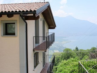 2 bedroom Apartment in Bugiallo, Lombardy, Italy : ref 5656461