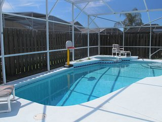 BP44 : 3 BR/2 Bath Pool Home, Pet Friendly, Disney