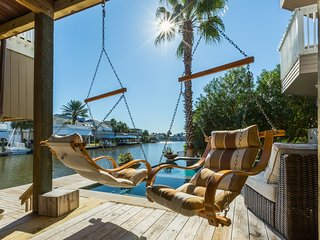 Shore Havin' Fun- Private Pool & Spa in Pirates' Cove!