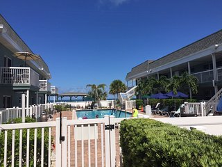 Vacation Resort on the beach,heated pool,2 hot tubs,2 bedrooms,2 baths,Ramada