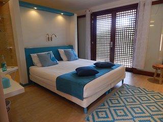 Tera Barra Lounge Colibri Room