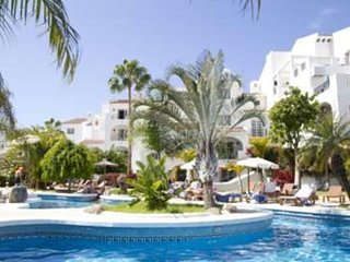 Tenerife 2BR on Costa Adeje - Tropical Heaven in Paradise, Resort Pool!