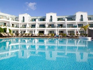 Puerto del Carmen 1BR - Resort Pool, Surrounded by Picturesque Beaches!