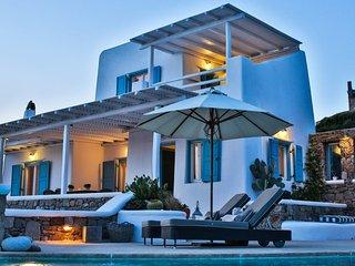 Villa Sunshine with breathtaking sea view and private pool