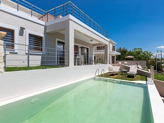 Upper view villa1/ free car, luxury design, pool, serenity, sleeps 7