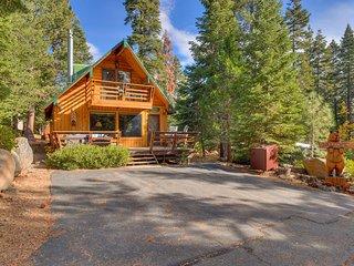 Cozy Wood Cabin