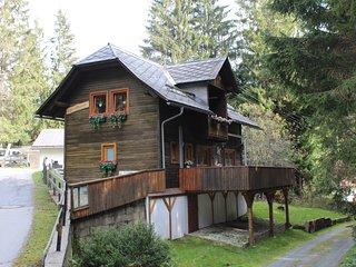 Pratico Chalet JEANINE  immerso nel bosco dei  pino rossi Bad Kleinkirchheim