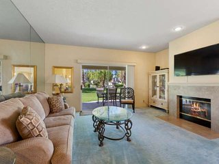 Relaxing Retreat in Desert Falls Country Club!  Ground level Condo!  Steps to th