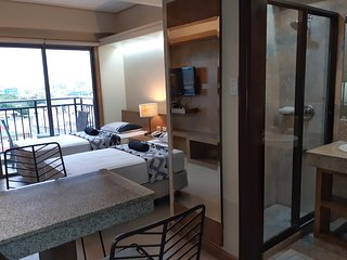 Twin beds with balcony in Ramos Center of Cebu