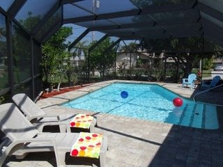 Fabulous, Clean, Spacious, Private Heated Pool, Fenced Yard, Fun in the Sun