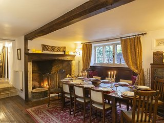 Foxes Manor, Bourton-on-the-Water, Cotswolds - Sleeps 12, Bourton-on-the-Water,